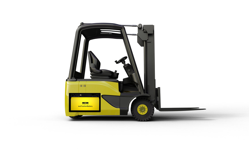 Forklift with ecovolta evoTractionBattery sideview